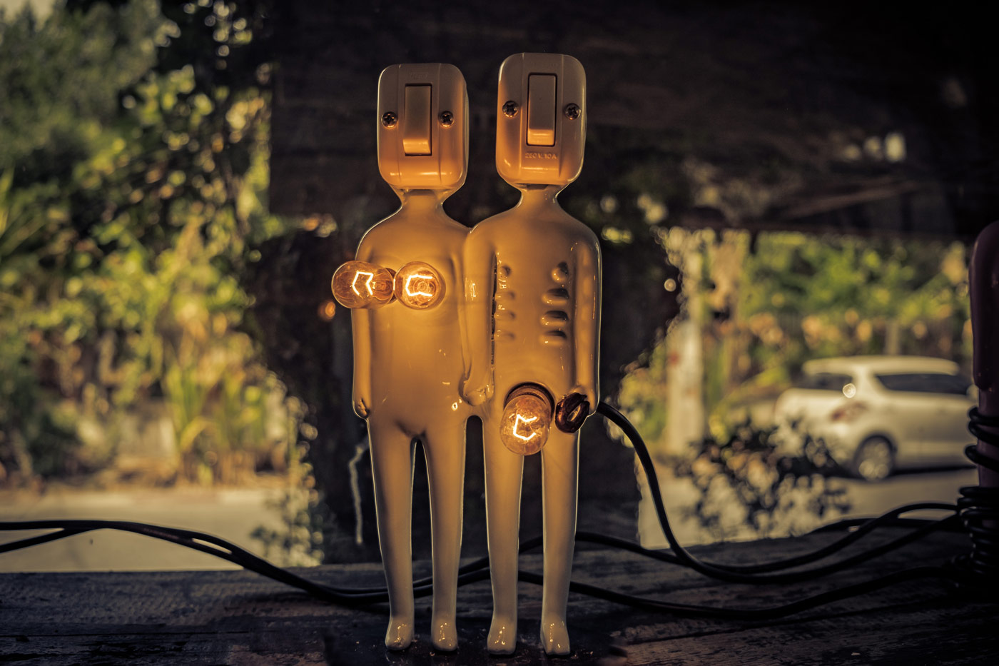 Man and woman electric figures
